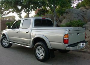 Automatic Truck 2004 T0Y0TA Tacoma AWDWheelss Very clean for Sale in Denver, CO