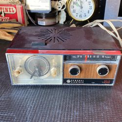 Vintage GE C550g Alarm Clock And Radio for Sale in Boulder City,  NV