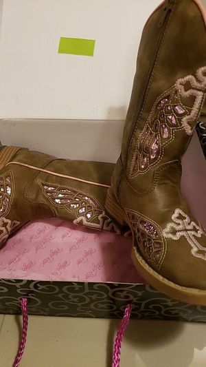 Girls size 9 boots for Sale in Brownsville, TX