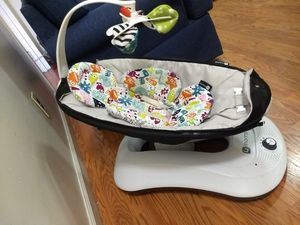 4moms mamaroo with infant insert for Sale in New York, NY