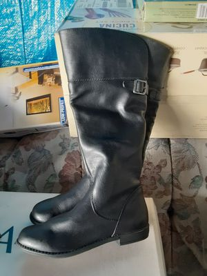 Black boots size 2youth for Sale in Bell Gardens, CA