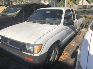 1996 toyota tacoma for Sale in Miami, FL