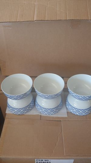 MIKASA GB MADISON SOUP BOWLS CROSS for Sale in Moreno Valley, CA