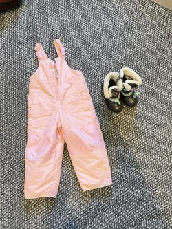 Girls Snow pants And Snow boots for Sale in Arvada,  CO
