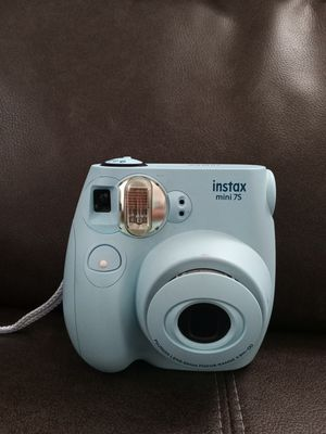 Fujifilm Instax mini 7s camera for Sale in Cleveland, OH