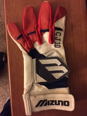 Chipper Jones Game Worn Batting Glove for Sale in Chicago, IL