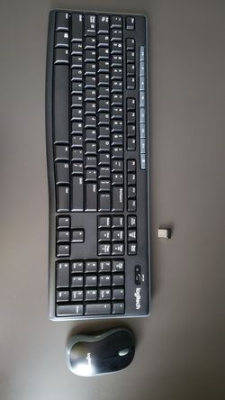 logitech wireless keyboard and mouse for Sale in Spring Hill,  TN
