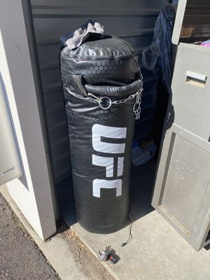 UFC PUNCHING BAG for Sale in Sun Lakes, AZ