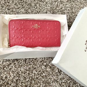 NEW pink Coach wallet for Sale in Bonney Lake, WA