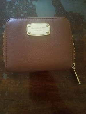 Michael Kors leather wallet for Sale in Long Beach, CA