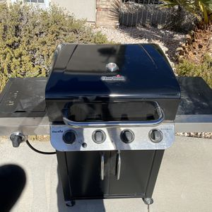 CharBroil Performance BBQ (propane) for Sale in Las Vegas, NV