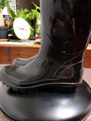 Columbia rain boots size 8 for Sale in Stonecrest, GA