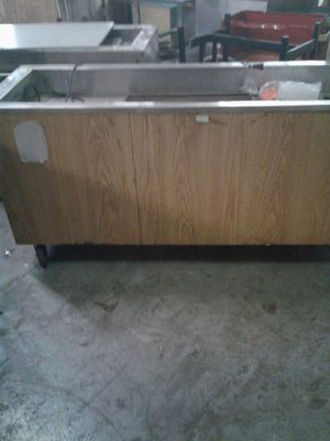 Portable cold table for Sale in Orlando, FL