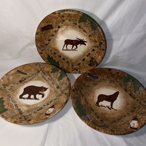 WMG Bear, wolf & Moose collector plates for Sale in Albuquerque, NM