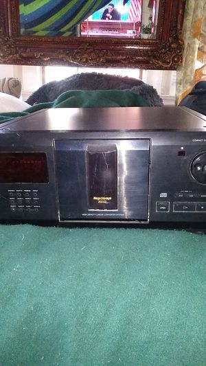 Sony 200 CD player for Sale in San Francisco, CA