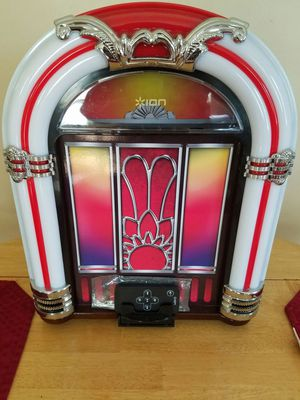 mini juke box speaker with Bluetooth and light for Sale in Columbus, OH