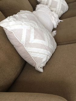 Comfortable Sofá/Couch for Sale in Wayne,  PA