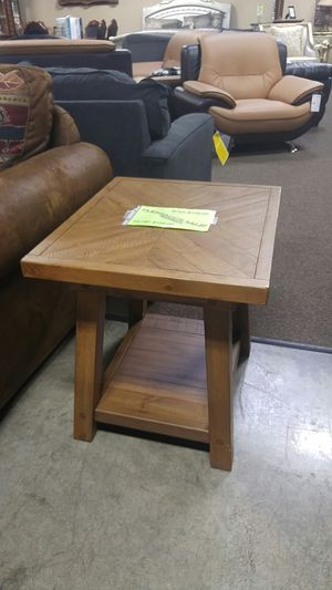 SOLUD WOOD END TABLE NOW ON CLEARANCE for Sale in Portland, OR
