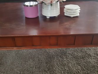 Coffee Table And 2 Side Tables for Sale in Redlands,  CA