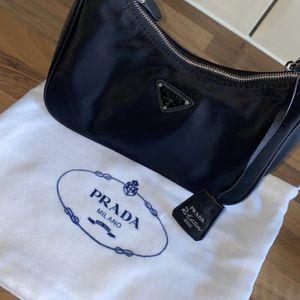 Hand Bag for Sale in Atlanta, GA