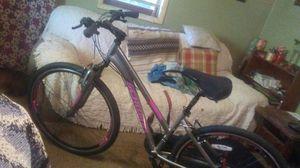 Schwinn Mountain Bike like New for Sale in St. Louis, MO