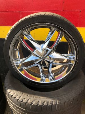 20's wheels and tires 5 lug universal $480 for Sale in Kent, WA