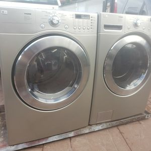 LG SILVER WASHER AND ELECTRIC DRYER SUPERCAPACITY for Sale in Hialeah, FL