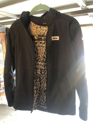 Nike Dri-Fit Lebron James Crown Hoodie Youth Large Full Zip Jacket Black &. T-shirt for Sale in Oak Park, IL