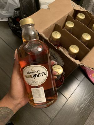 Hennessy Pure White for Sale in Carrollton, TX