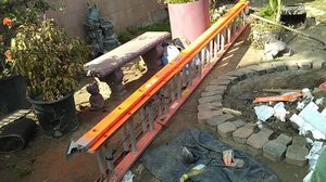 Louisville Ladder Fiberglass Extension Ladder, 28 feet, 300-pound duty rating, Type IA, FE3228 for Sale in South Gate, CA