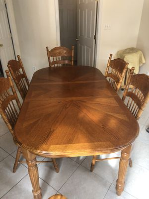 Kitchen table with 6 Chairs and 2 Counter chairs for Sale in Silver Spring, MD