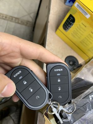 Viper 5105v remote start and module included for Sale in Houston, TX