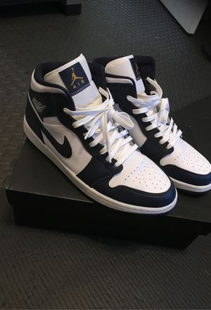 Jordan 1 mid metallic gold obsidian for Sale in Dallas, TX