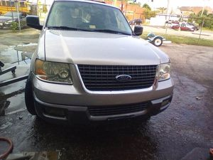 2004 ford explorer 132 mil millas titulo limpio en buenas condiciones for Sale in Adelphi, MD