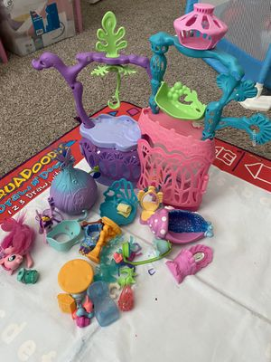 Trolls play set - 12$ for Sale in Plano, TX