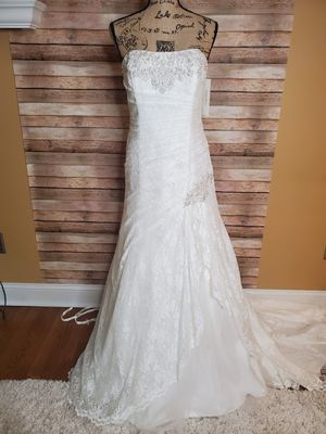 Wedding dress Size 14 for Sale in Easley, SC
