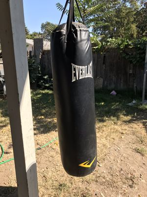 everlast punching bag for Sale in Modesto, CA