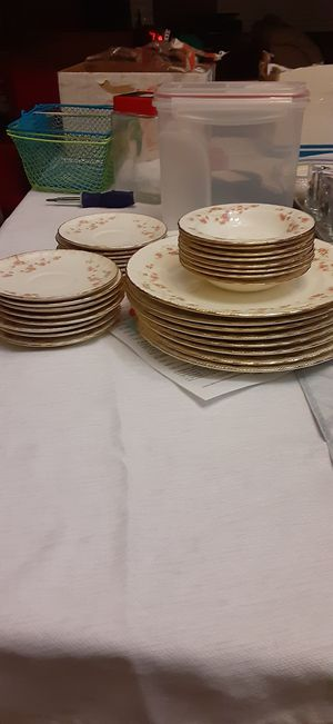 "Lot of 1940's Pope Gosser ""Florence"" Fine China (32 pieces) for Sale in Manhattan, KS"