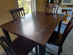 4 chair dinning table for Sale in Chelsea, MA