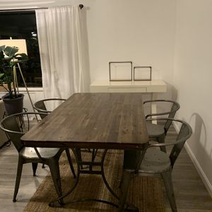 World Market Rectangular Jackson Table With Chairs for Sale in Kent, WA