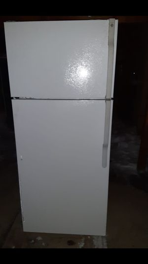 Ge apartment Size refrigerator good working condition(willing to deliver for free#_#*# for Sale in Aurora, CO