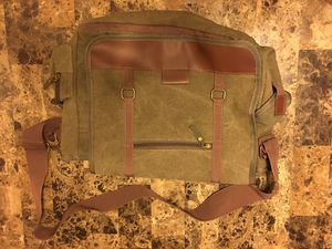 Sovrano Messenger Bag for Sale in Ontario, CA