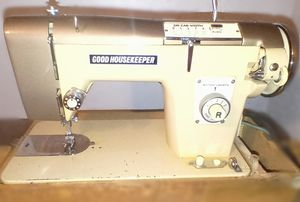 Rare Vintage Good Housekeeper Sewing Machine for Sale in Conroe, TX