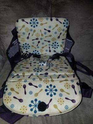 Munchkin travel booster seat for Sale in Norcross, GA