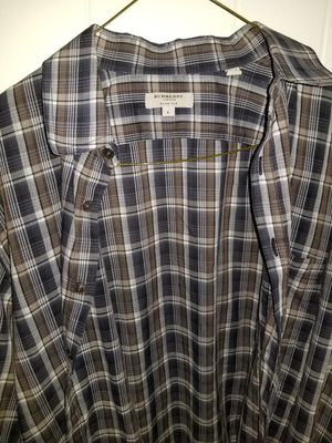 Burberry button down for Sale in Queens, NY