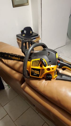 Poulan pro 35cc for Sale in Queens, NY
