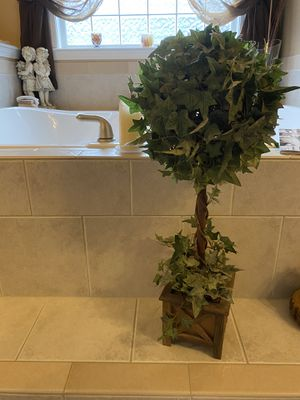 3 FOOT TOPIARY- WILL SHIP IN US for Sale in Greer, SC