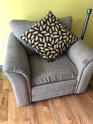 Love seat for Sale in North Potomac, MD