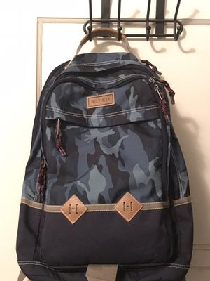 Men's Tommy Hilfiger Backpack (read Description) for Sale in Montebello, CA
