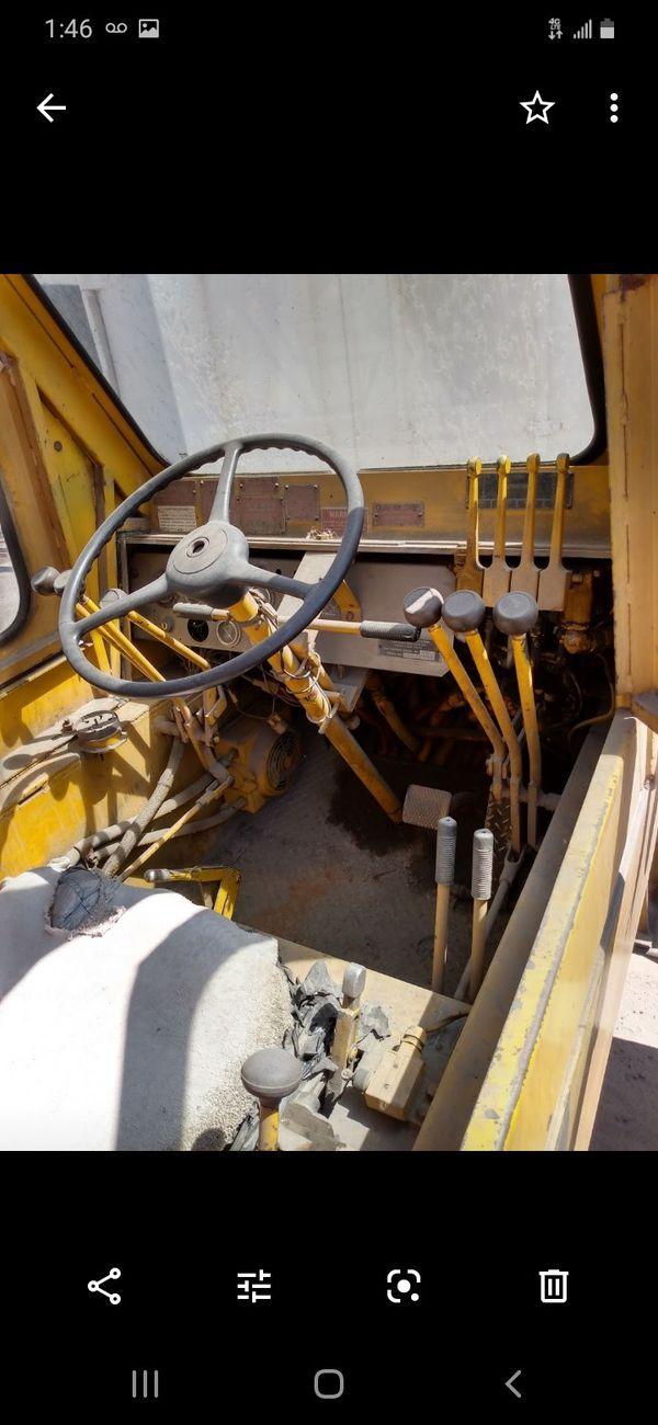 Creme Pettibone 30 ton runs excellent